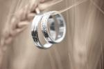 Chọn mua nhẫn cưới kim cương